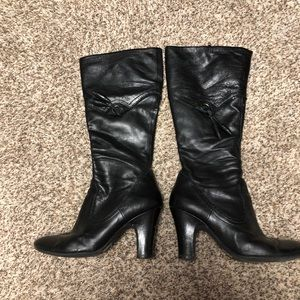 Mid-calf black leather boots